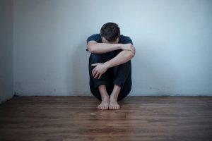 Sich selbst Hilfe holen und Hilfe eínfordern, ist das wichtigste bei akuter Suizidabilität.