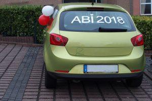Auto mit Abi-Schriftzug