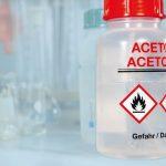 An_Aceton_bottle_in_a_laboratory.