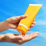 Anwendung von Sonnencreme