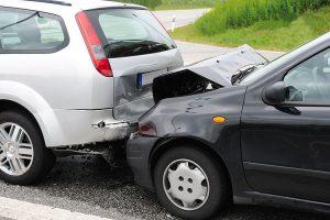 Zwei Autos mit Blechschaden
