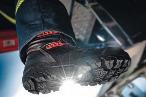 BOROS_Fire_fighting_boots_from_Rosenbauer