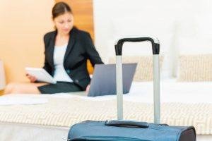 Wann sind Arbeitnehmer auf einer Dienstreise versichert? Wie weit reicht der Schutz durch die Unfallversicherung?