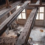 an_old_half-timbered_house_is_being_renovated_at_great_expense_and_the_beams_are_reinforced_with_steel_beams