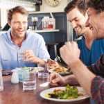 A_group_of_friends_having_lunch_in_a_restaurant