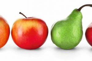 Red_apples_and_green_pear