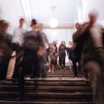 Blurred_motion_in_a_metro_station.