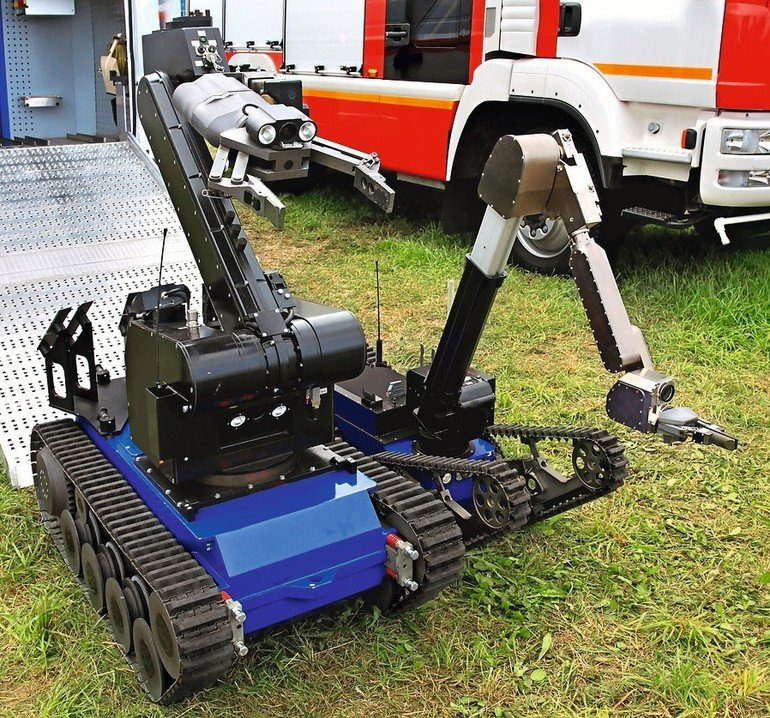 Unmanned_ground_special_vehicle_for_remote-controlled_demining