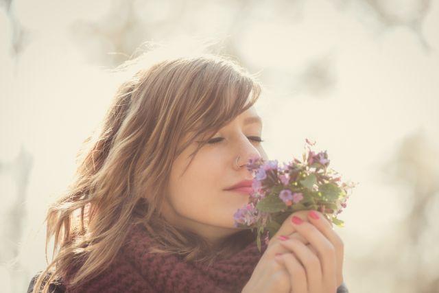 Frühjahrsmüdigkeit und Frühlingsgefühle, warum gibt es beides?