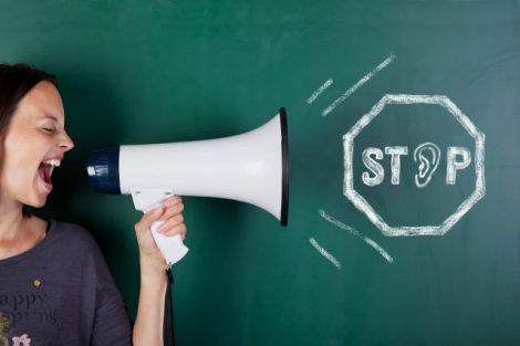Im Beruf und in der Freizeit sollte die Umgebung möglichst lärmarm sein, denn Lärm macht krank.